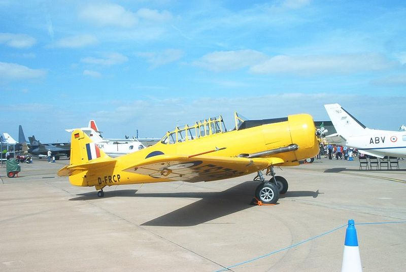 North American T-6 Texan (Harvard Mk II) canadien