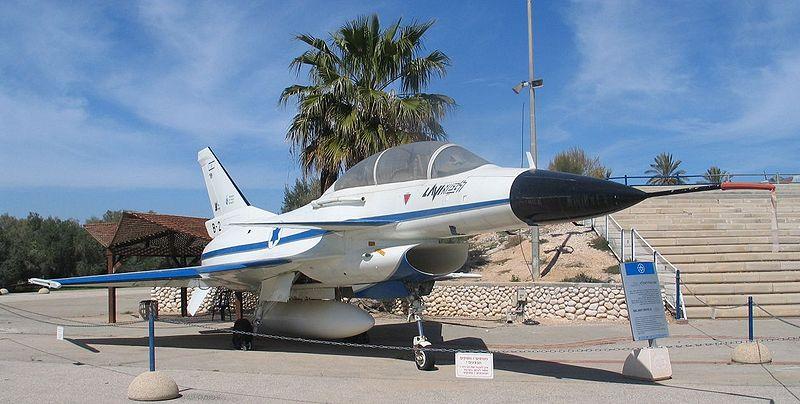 TREBALO JE DA BUDE PONOS IZRAELA, A ONDA JE AMERIKANCE POJELA LJUBOMORA 800px-IAI-Lavi-B-2-hatzerim-1