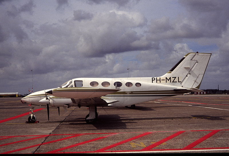 Cessna 414A Chancellor civil de profil