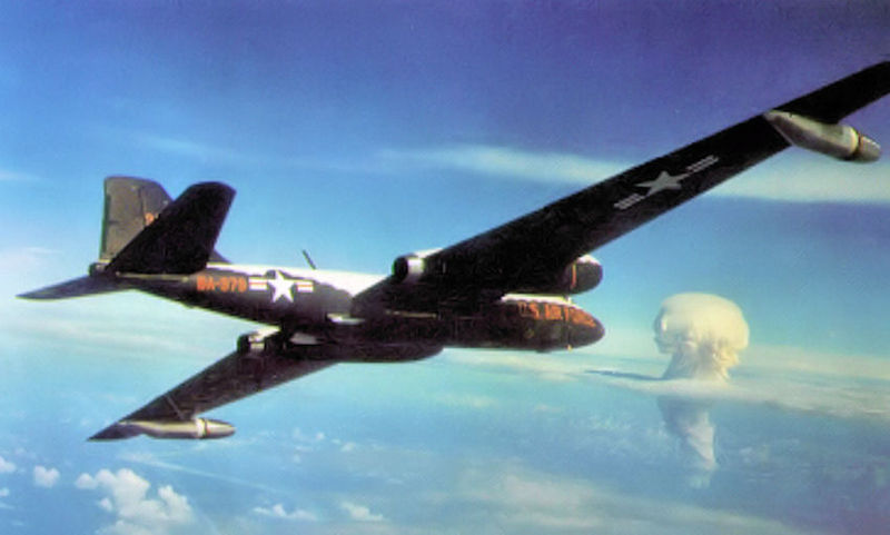 Martin RB-57D Night Intruder de l'USAF en vol