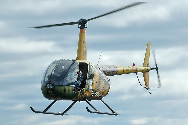 Robinson R44 civil en vol