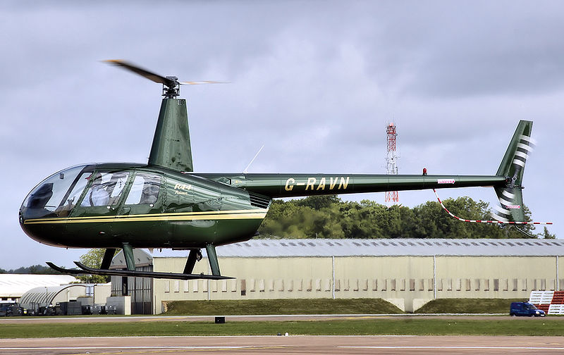 Robinson R44 Raven civil en sustentation