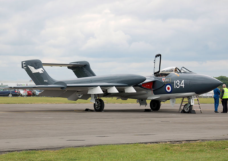 De Havilland DH-110 Sea Vixen D.3 au sol