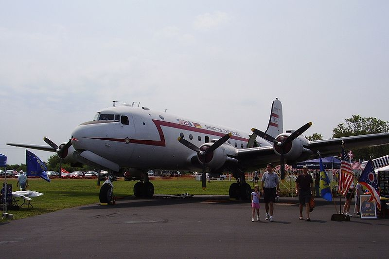 "Douglas C-54 Skymaster civil ""Spirit of Freedom"""