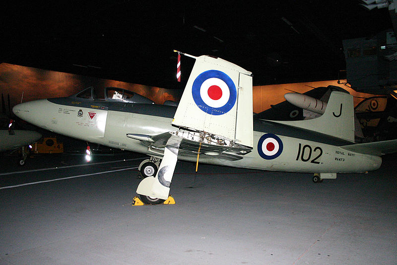Supermarine Attacker F.1 de la Royal Navy exposé, vu de profil