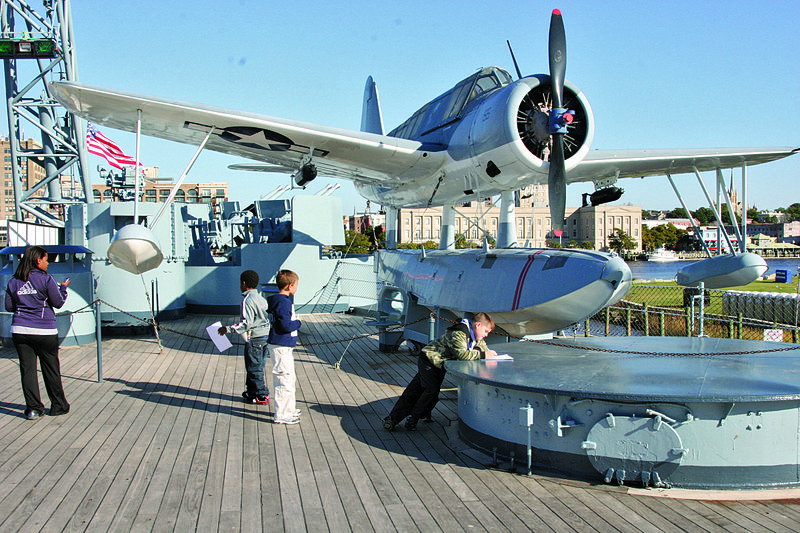 Vought OS2U Kingfisher sur l'USS North Carolina