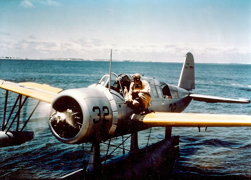 Vought OS2U-2 Kingfisher à l'eau