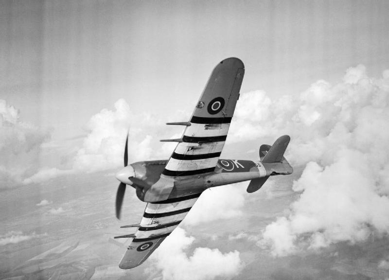 Hawker Typhoon Mk IB de la RAF en vol