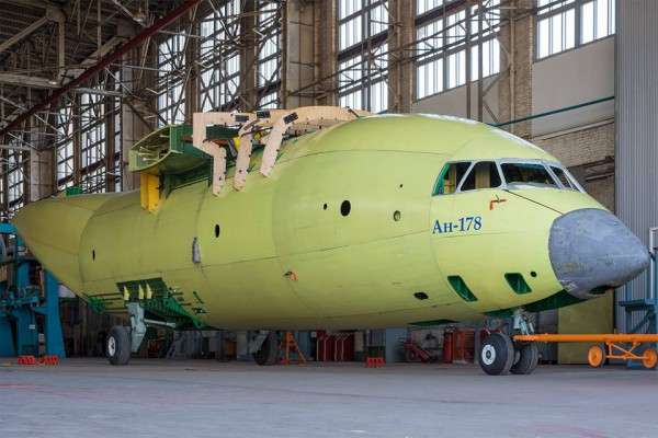 Antonov An-178 en construction