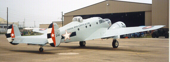 Beech 18 (AT-11) cubain