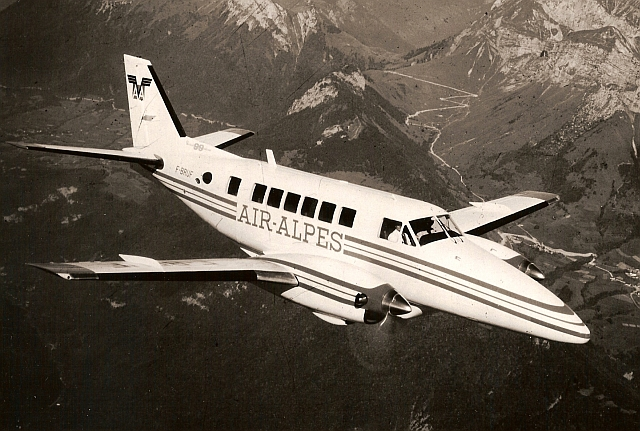 Beech 99 Airliner civil en vol