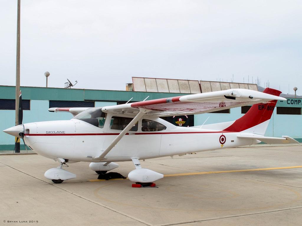 Aviationsmilitairesnet Cessna 182 Skylane