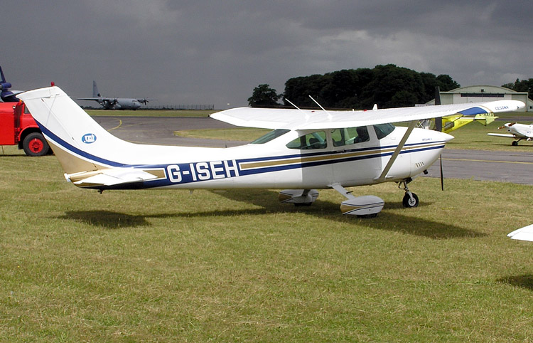 Cessna 182R Skylane civil