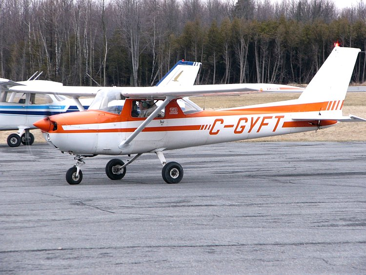 Cessna 150M civil