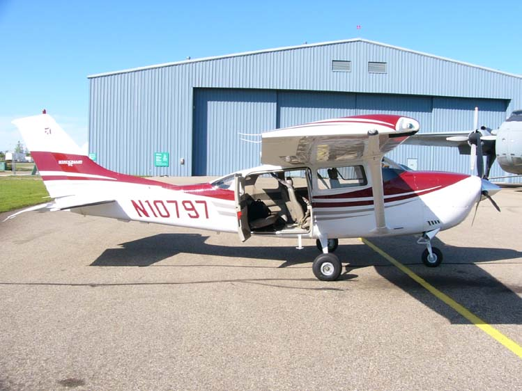 Cessna T206H Stationair civil