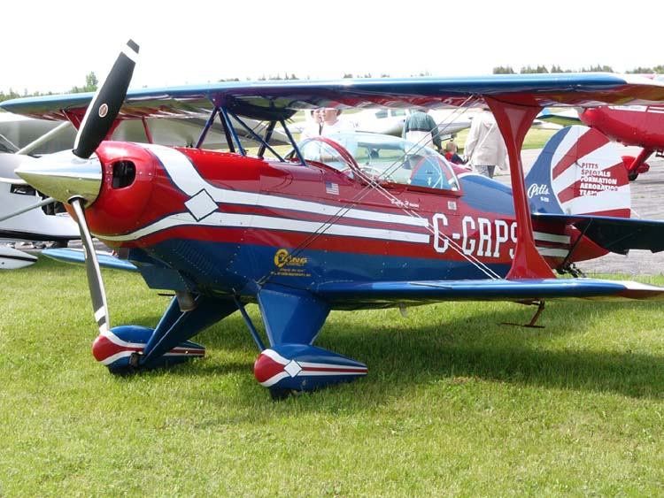 Pitts Special S-2B au sol