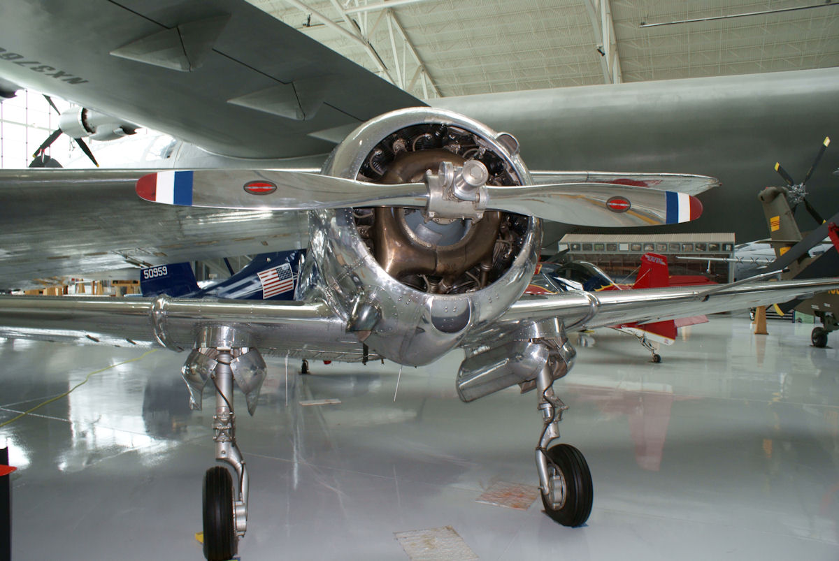 Curtiss-Wright CW-22 vu de face