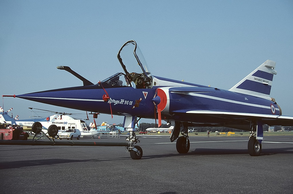 "SAAB ""VIGGEN""   JA 37  AJS  ( Esci 1/48)   Dassault_Mirage_IIING_France_-_Air_Force_AN1242270"