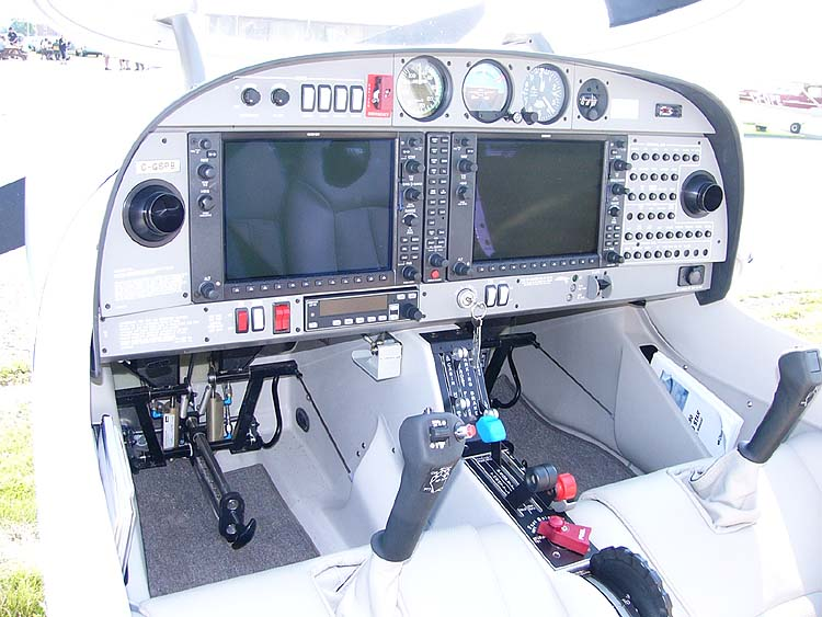 Diamond DA40 Diamond Star - Cockpit