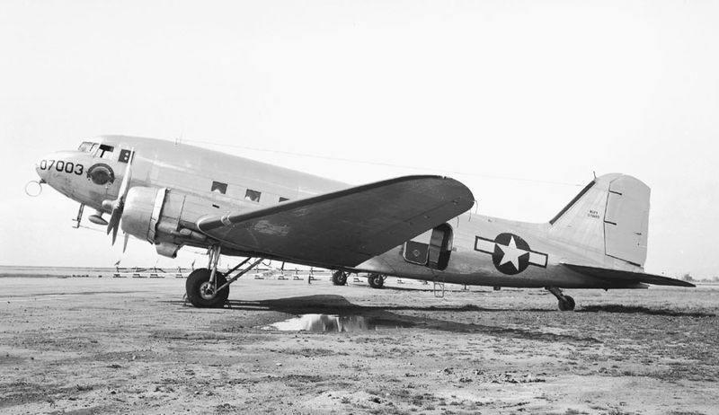 Douglas C-47 Dakota (R4D-4) de l'US Navy
