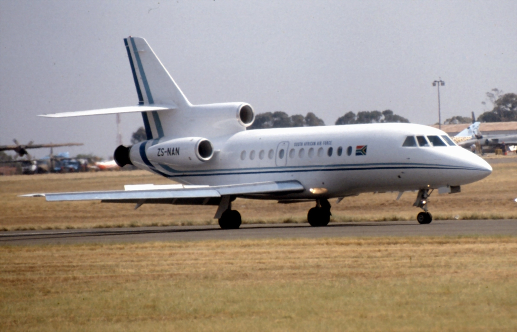Dassault Falcon 900A sud-africain