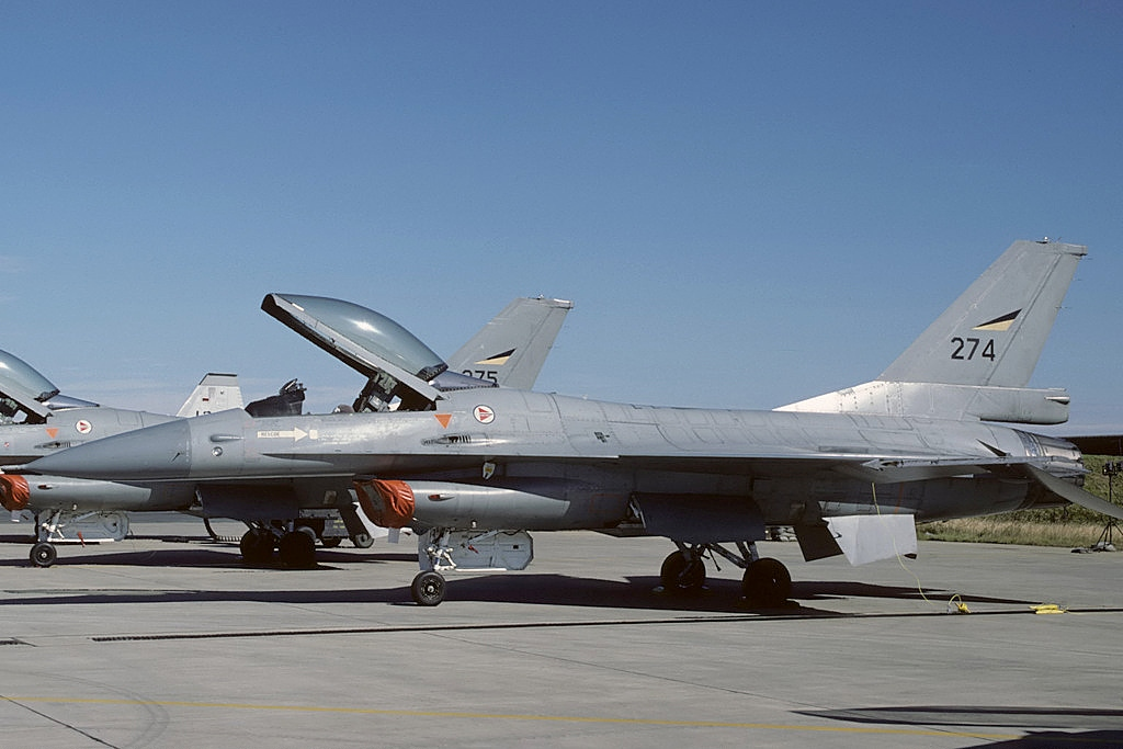 General Dynamics F-16A norvégien