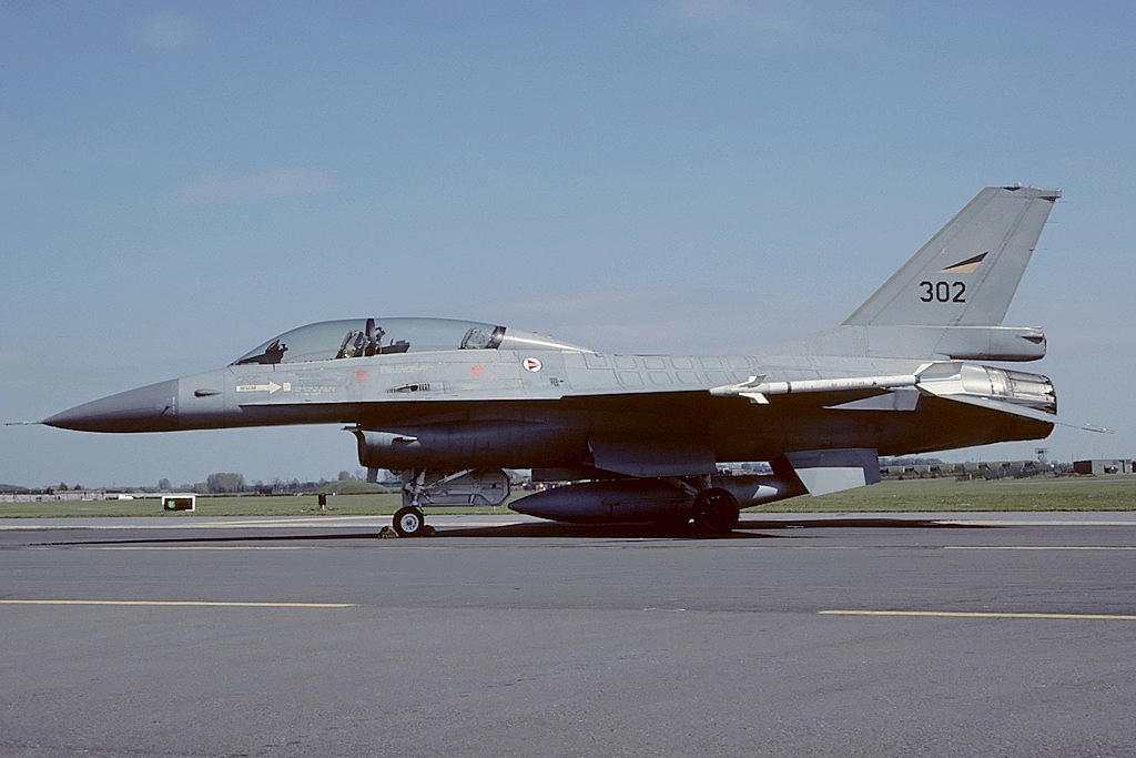 General Dynamics F-16B norvégien