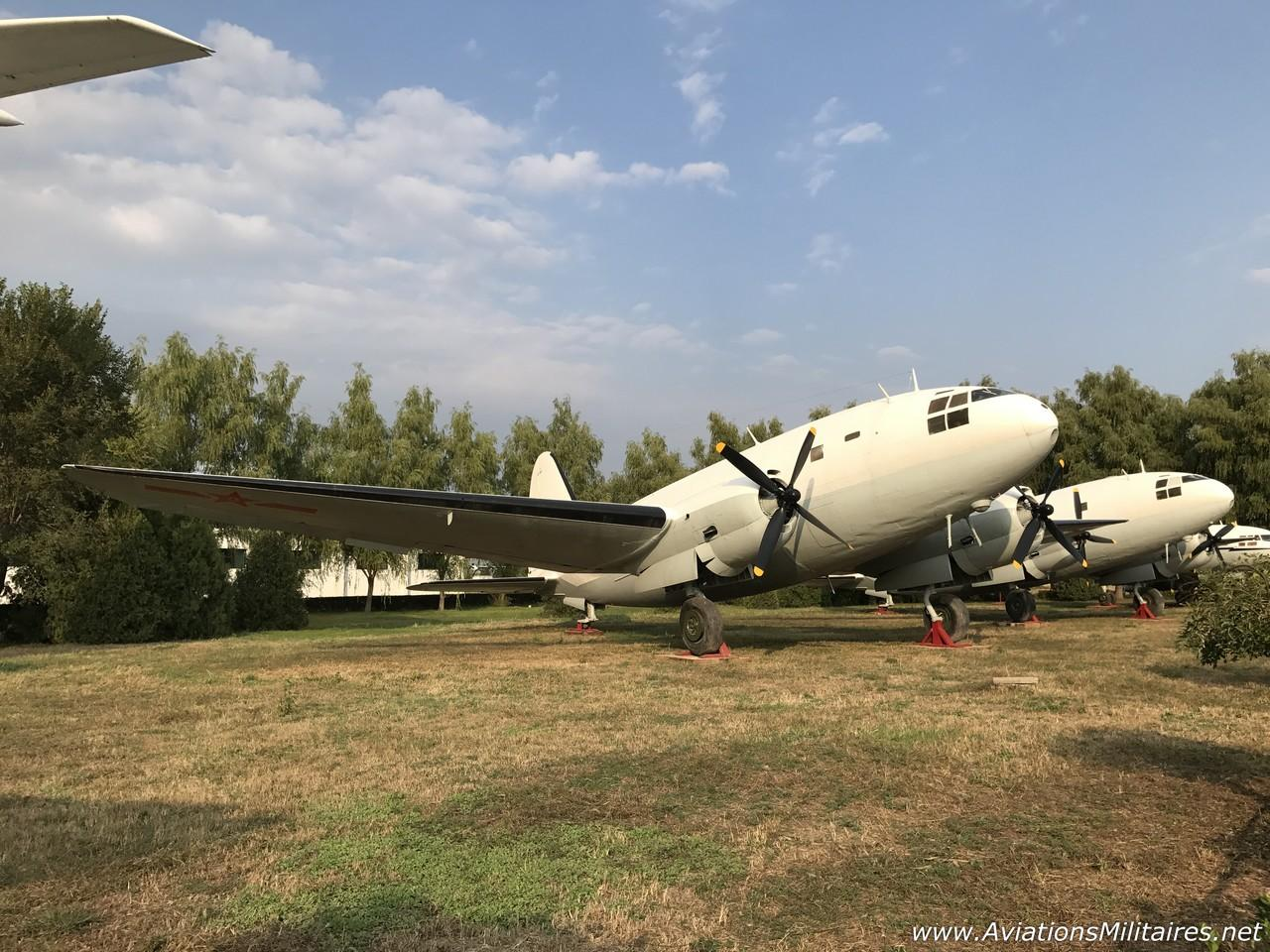 Curtiss C-46 Commando exposé en Chine, par Nico2