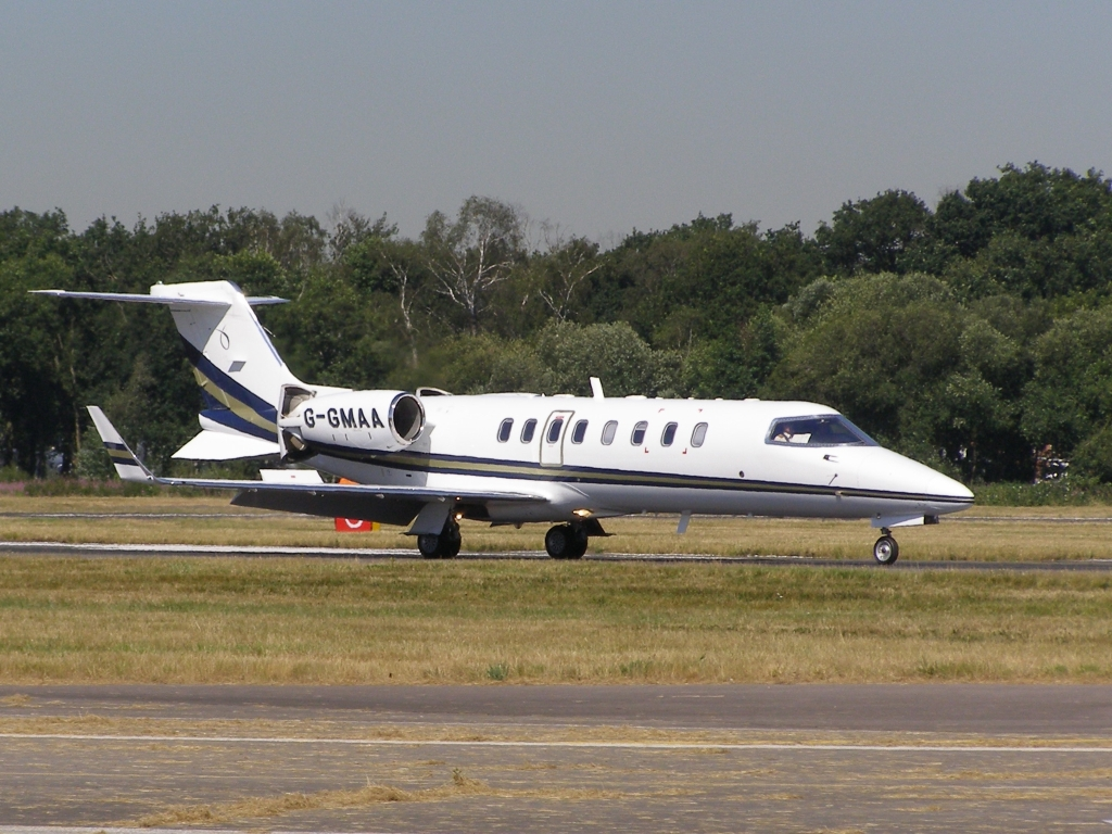 Learjet 45 civil au roulage