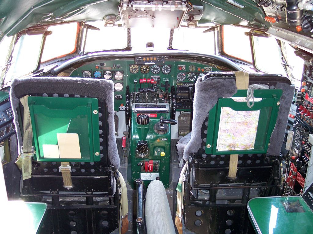 Lockheed C-69 Constellation (L-749) - Cockpit