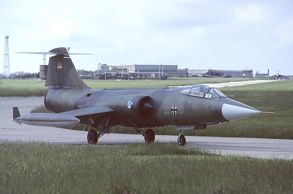 Lockheed F-104G Starfighter allemand en vol