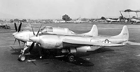 Lockheed P-38 Lightning (XP-58) au sol