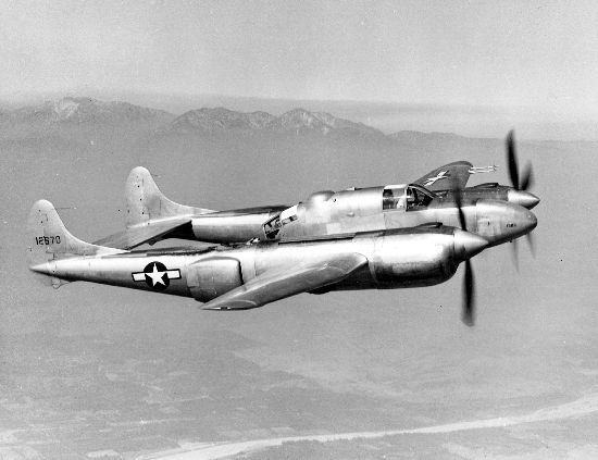 Lockheed P-38 Lightning (XP-58) en vol
