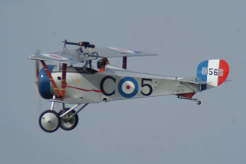 Nieuport 17 aux couleurs du Royal Flying Corps en vol