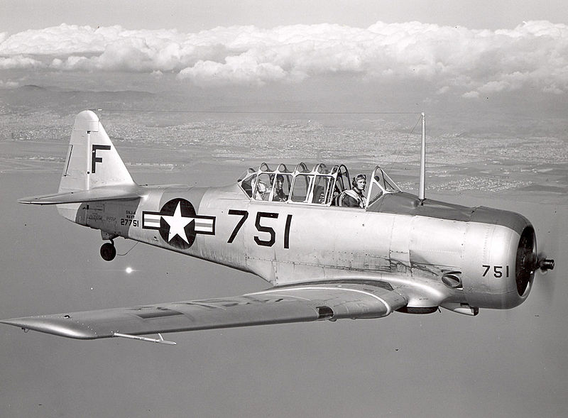 North American T-6 Texan (SNJ-4) de l'US Navy