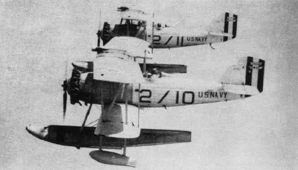 Vought O2U Corsair de l'US Navy en formation