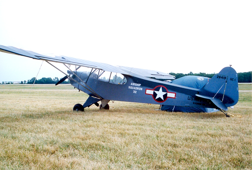 Piper L-4 Grasshopper (NE-1) de l'US Navy