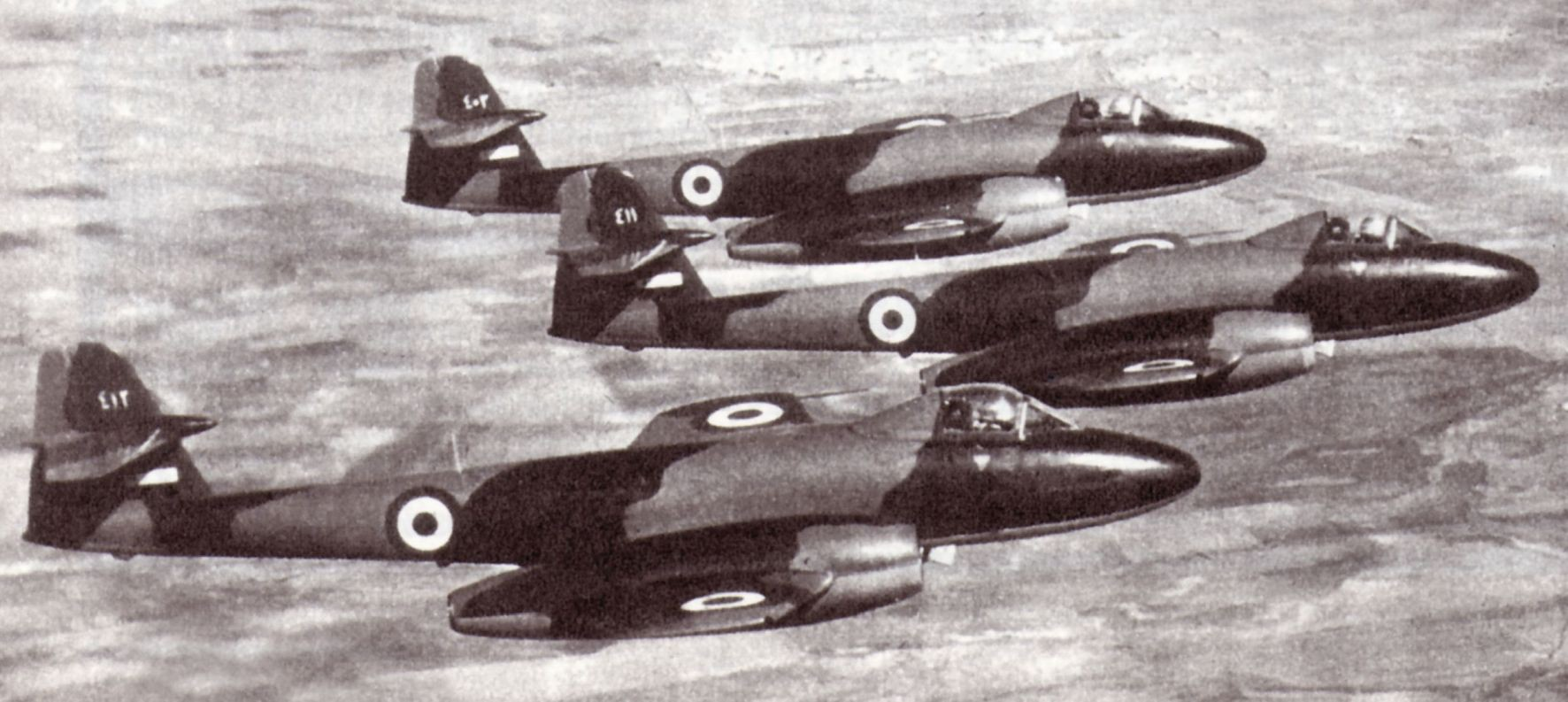 Gloster Meteor F.8 syriens en formation