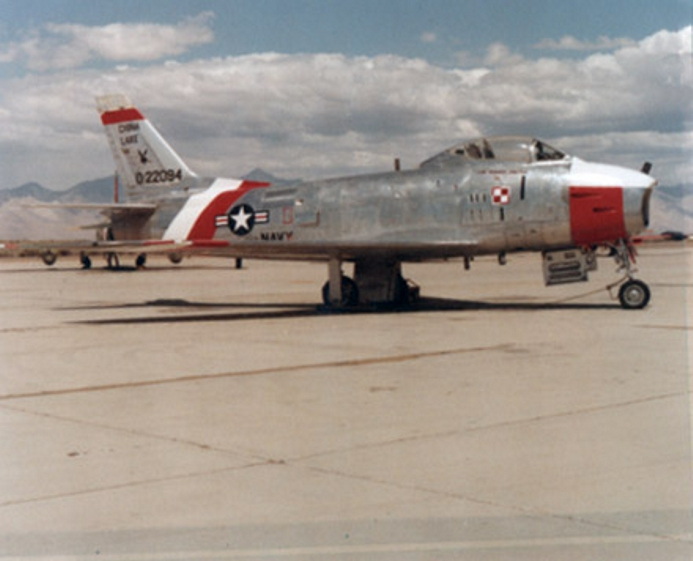North American QF-86H Sabre de l'US Navy