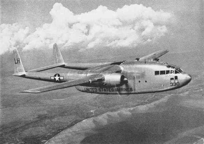 Fairchild C-119C (R4Q-1) de l'USMC en vol