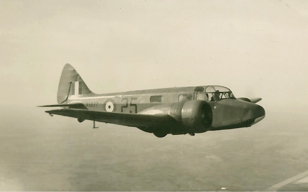 Airspeed AS.10 Oxford II de la RAF en vol