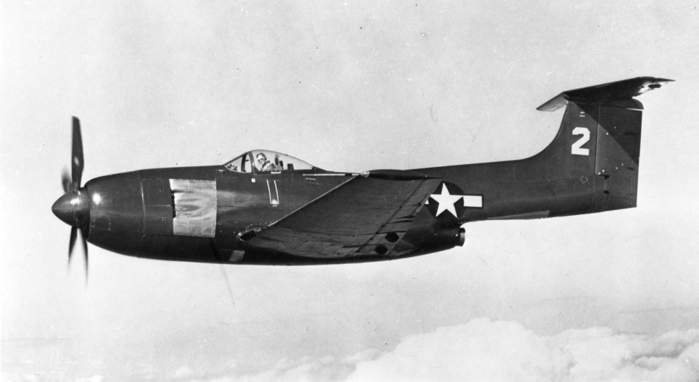 Curtiss XF15C-1 en vol vu de côté