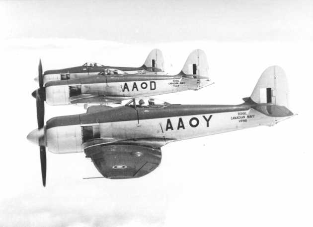 Hawker Sea Fury FB.11 de la marine canadienne en formation