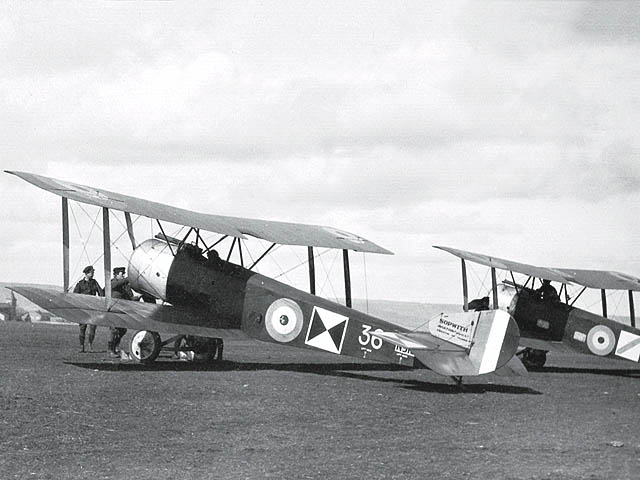 Sopwith Strutter du Royal Flying Corps au sol
