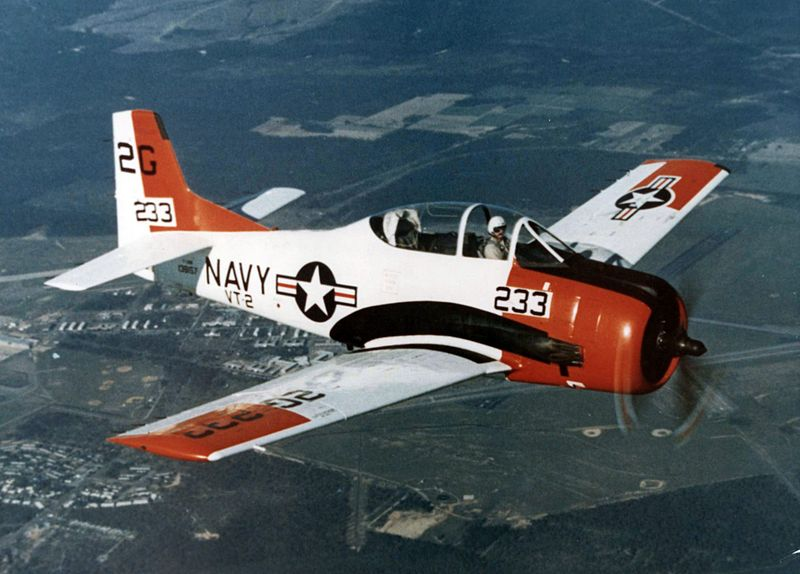 North American T-28B Trojan de l'US Navy en vol