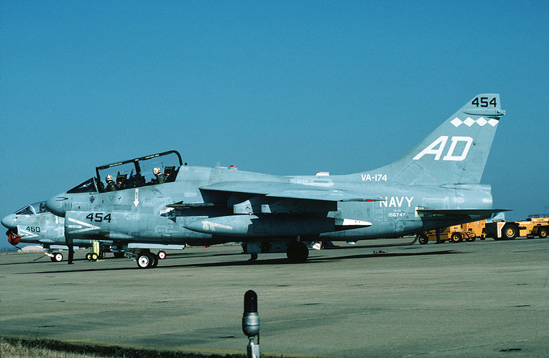 Vought A-7 Corsair II (TA-7C) de l'US Navy