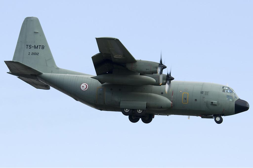 Armée Tunisienne / Tunisian Armed Forces / القوات المسلحة التونسية - Page 20 TS-MTBZ_21012_Lockheed_C-130H_Hercules_MSN_382-5010_Tunisian_Air_Force__Pierre_Gillard-
