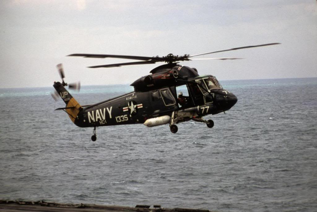 Kaman SH-2F Seasprite de l'US Navy en vol