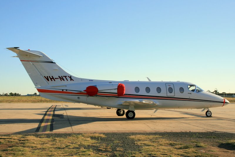 Beech Hawker 400XP civil