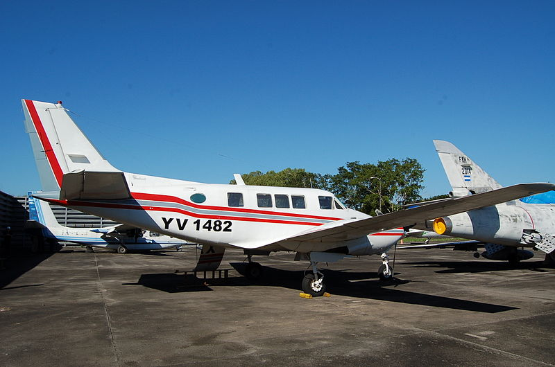 Beech 65 Queen Air (70)